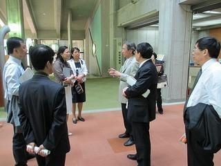 金沢工業大学 水野一郎副学長に学内を案内して頂きました.jpg